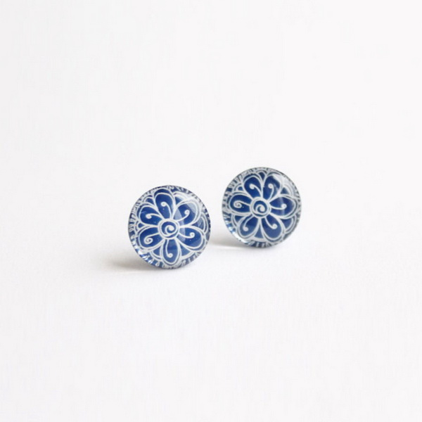 Royal blue earrings with a flower pattern