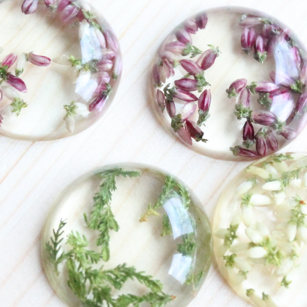Natural flower pendants