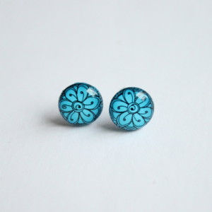 Blue flower pattern stud earrings