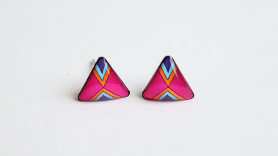 Pink/magenta geometric triangle stud earrings