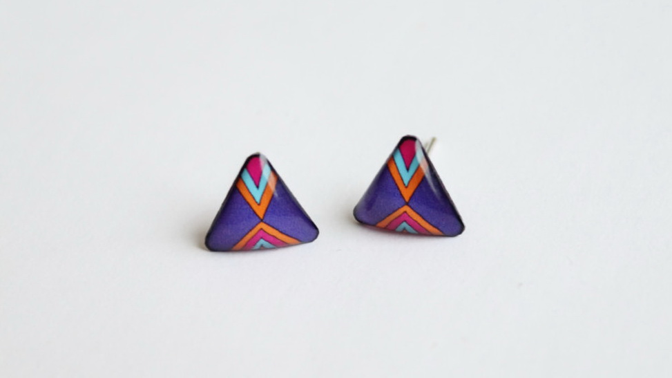 Dark purple triangle stud earrings