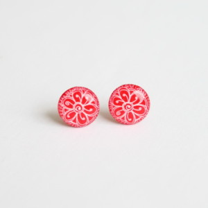 Bohemian flower studs, red background